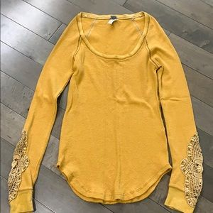 Free People Synergy Cuff thermal, gold